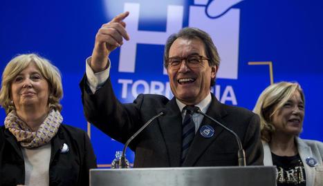 Artur Mas, Joana Ortega i Irene Rigau van ser condemnats a una inhabilitació temporal.