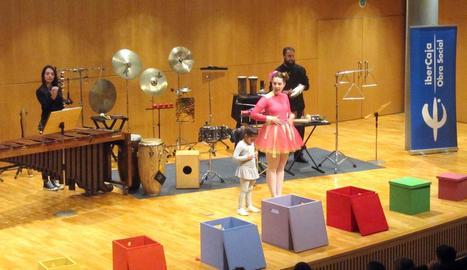 Espectacle 'Les capses de colors' a l'Auditori de Lleida.