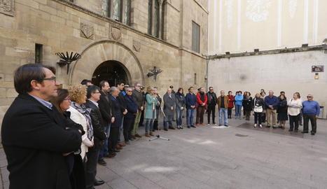 Minut de silenci a Lleida en condemna per l'atemptat de Londres.