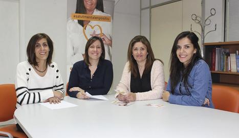 Eva Barta (segona per la dreta) i el seu equip d'El Molinet.