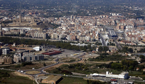 Vista dels terrenys de l'Àrea Residencial Estratègica on Carrefour té terrenys des de fa anys.
