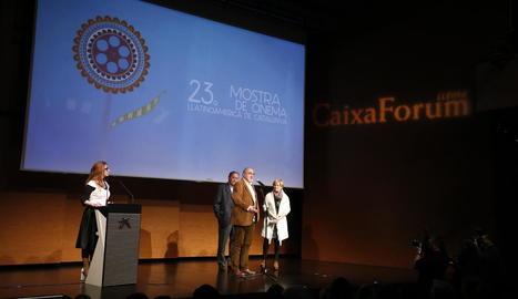 Gina Raymat va presentar la clausura, en què van intervenir Juan Ferrer, Osvaldo Francia i Montse Parra.