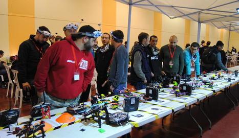 La Drone Party va reunir uns cent quaranta pilots.