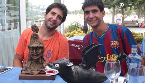 L'Albert i en Marc col·leccionen figuretes de tots els estils i materials des de petits.