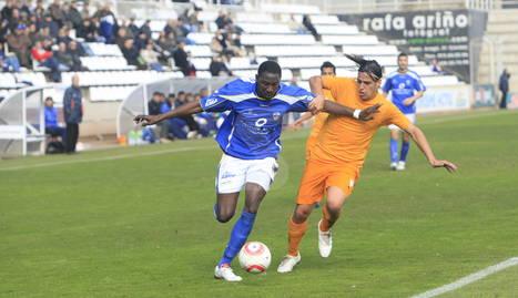 Cheikh Saad, amb la samarreta de la Unió Esportiva Lleida el 2010.