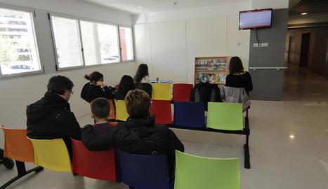 Vista de la sala d'espera per passar consulta, ahir al nou centre de Copa d'Or.
