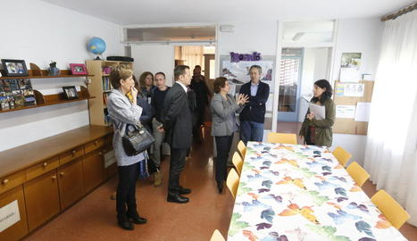 La consellera Bassa, durant una visita al centre de menors Torre Vicens de Lleida.