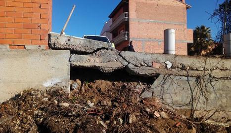 El talús del carrer Enric Granados que el consistori reconstruirà.