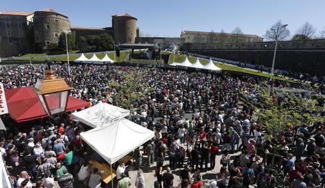 Vista de la concentració celebrada a Baiona per donar suport al desarmament d'ETA.