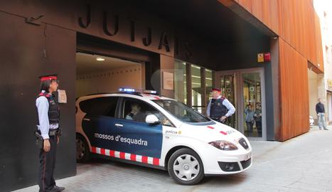 Els Mossos d'Esquadra han traslladat l'acusat al jutjat de Balaguer.