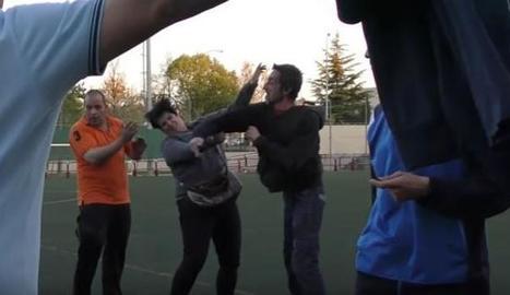 Moment de l'agressió a la mare d'un jugador a Logronyo.