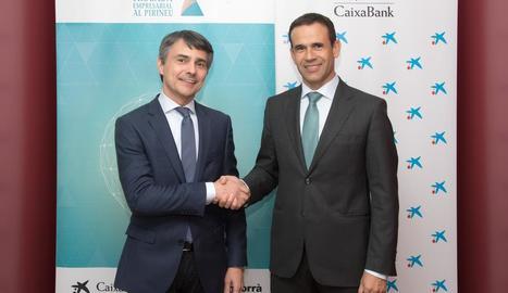 El president de la Trobada i el director territorial de CaixaBank.