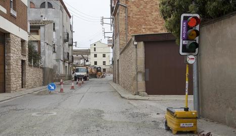 Durant les obres es va instal·lar un semàfor a l'entrada de Belianes.