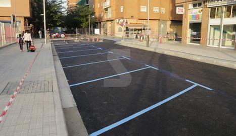 Imatge d'arxiu d'aparcaments de zona blava a Lleida.