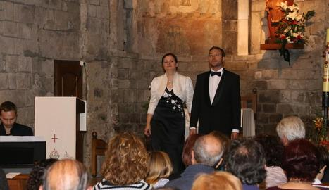 El trio de cantants i pianista Amor Fino, diumenge a Bossòst.