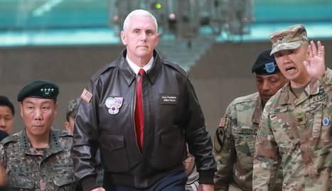 El vicepresident dels EUA, Mike Pence, va visitar la zona desmilitaritzada que separa les dos Corees.