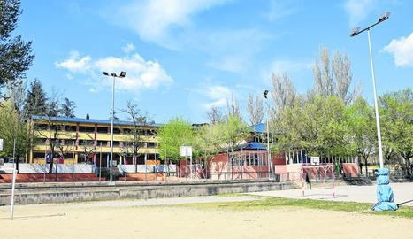 El pati del col·legi Albert Vives de la Seu d'Urgell.