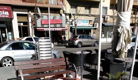 Plaça Clot de les Granotes.