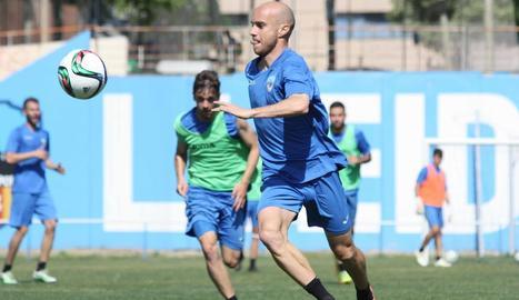 Javi Casares, ahir al tornar als entrenaments.