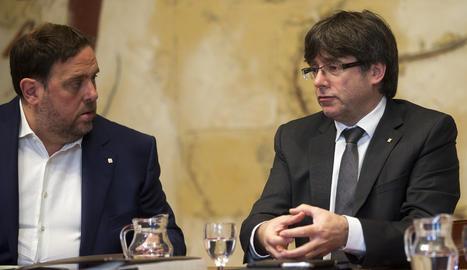 Junqueras i Puigdemont durant un reunió del Govern.