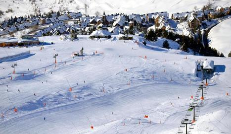 Els últims esquiadors a Baqueira-Beret.