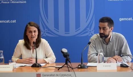La consellera Meritxell Serret i Daniel Valls van presentar ahir l'informe a Barcelona.