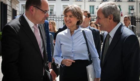 Els ministres alemany i espanyola i José Ignacio Llorens.