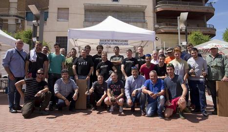 L'Associació de Mestresses de Casa d'Alfarràs va organitzar una demostració de cuina de canapès amb truita.