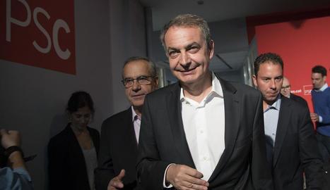 Zapatero a l'arribar a la seu del PSC ahir.