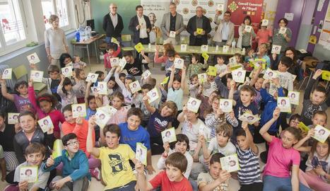 Alumnes de l'escola El Tallat, de Sant Martí de Maldà, ahir.