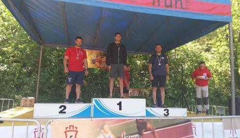 Tres podis a la Copa d'Espanya de descens per al Kayak Mitjana