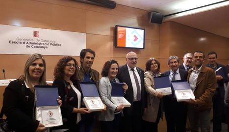 Representants dels ajuntaments que van rebre la distinció.