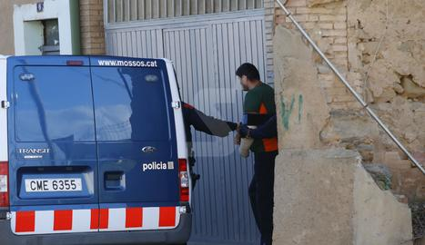 Una de les dos víctimes, que també va ser detingut, dijous durant l'escorcoll a un habitatge de Torre-serona.