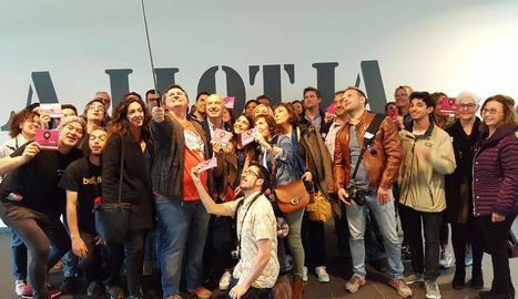 Els participants es van fer un 'selfie' i van recórrer els punts d'interès de la Llotja.