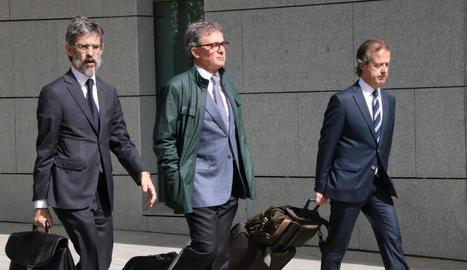Jordi Pujol Ferrusola, al centre, va entrar a la presó hores després de declarar dimarts.