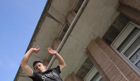 vídeos. A través dels vídeos de YouTube de l'Adán es pot veure Lleida des d'una altra perspectiva.