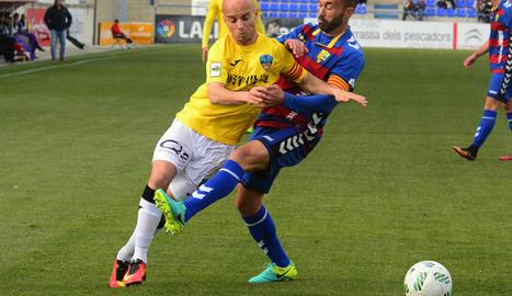 Una acció d'atac del Lleida, que ahir es va mostrar més incisiu en un partit que era una autèntica final per als de Siviero.