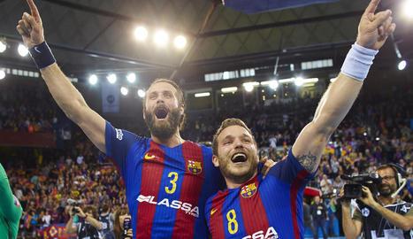Noddesbo i Víctor Tomàs celebren la classificació amb l'afició, que va omplir el Palau Blaugrana.