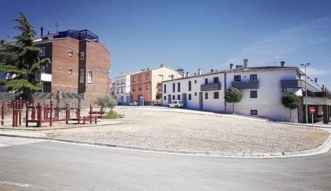 La plaça s'habilitarà a l'encreuament dels carrers Mare de Déu de Salgar i Jesús Santacreu.
