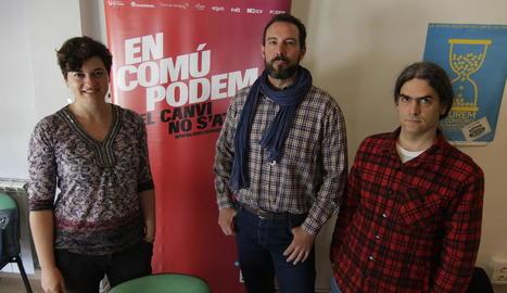 Sara Vilà, Jaume Moya i Sergi Talamonte ahir a la seu d'ICV.