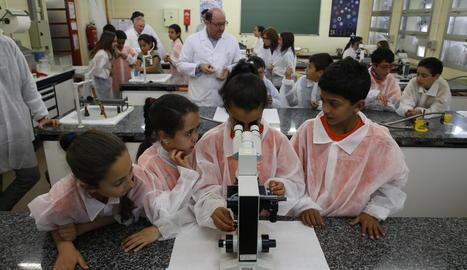 Un centenar d'alumnes de Primària, 'investigadors' per un dia a Agrònoms