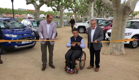 Isidre Esteve talla la cinta en l'acte inaugural de la Fira Borges Motors.