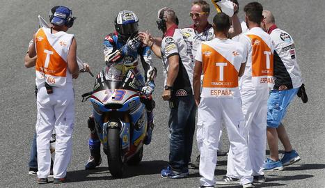 Marc Màrquez, exultant després d'aconseguir un segon lloc que li permet situar-se molt a prop del liderat que encara ostenta Valentino Rossi.