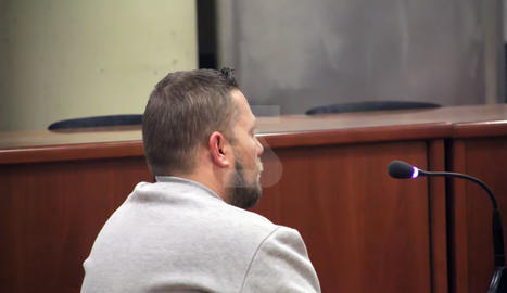 L'acusat, el dia del judici a l'Audiència de Lleida.