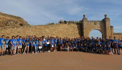 Participants en la gimcana 'Destí Europa' aquest dimarts a la Seu Vella.