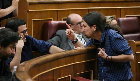 Alberto Garzón i Pablo Iglesias, ahir al Congrés.