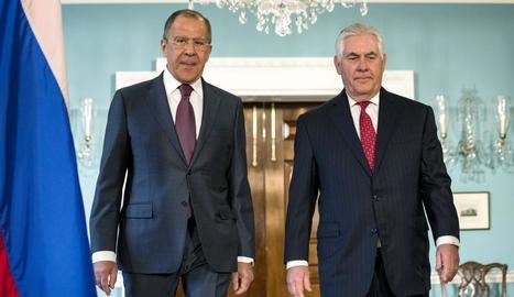 El ministre d'Exteriors rus, Serguei Lavrov, i el secretari d'Estat dels EUA, Rex Tillerson.
