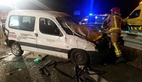 Dos ferits en un accident múltiple en l'A-22, a Almacelles