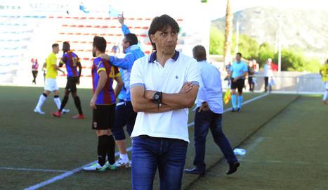 El rostre de Gustavo Siviero reflectia una nova decepció per la mala imatge de l'equip.