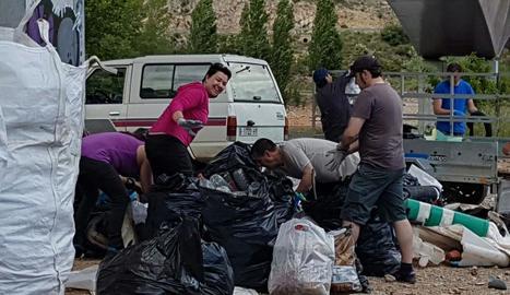 Voluntaris d'Algerri que van participar en la iniciativa.
